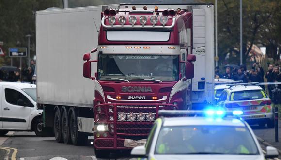 El conductor del camión, un norirlandés de 25 años, fue detenido bajo imputación de asesinato, precisó la policía. (Fuente: AFP)