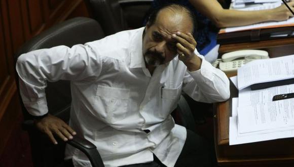 HABLA CLARO. Parlamentario comparó a la DINI con el SIN, dirigido por Vlamiro Montesinos. (Rafael Cornejo)