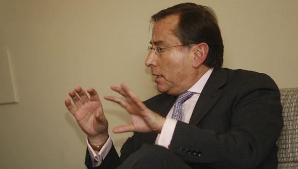 PEGALÓN. Embajador demostró no tiene nada de diplomático y, el mismo día de la golpiza, se escudó en su inmunidad. (Difusión)