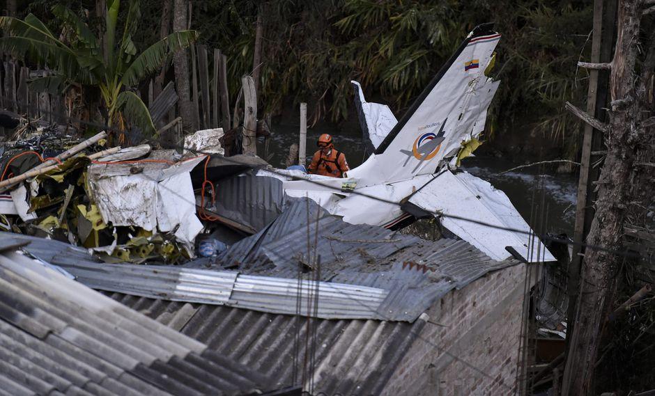 Avioneta se precipitó sobre vivienda en barrio de Junín, en Popayán. (AFP)