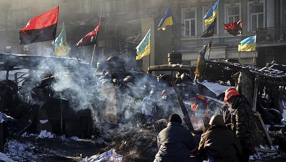 Protestas violentas en Kiev aún continúan. (EFE)