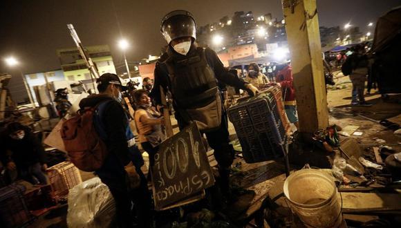 """Mediante un comunicado, la Municipalidad de Lima señaló que ha desplegado """"equipos de trabajo en las inmediaciones del mercado temporal """"Tierra Prometida"""", a fin de garantizar el orden"""". (Foto: Joel Alonzo/@photo.GEC)"""
