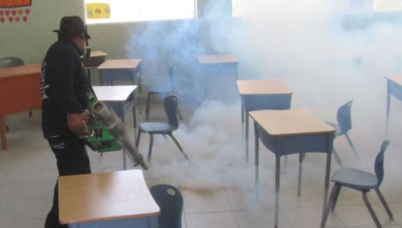 Desinfectan los ambientes. (USI)