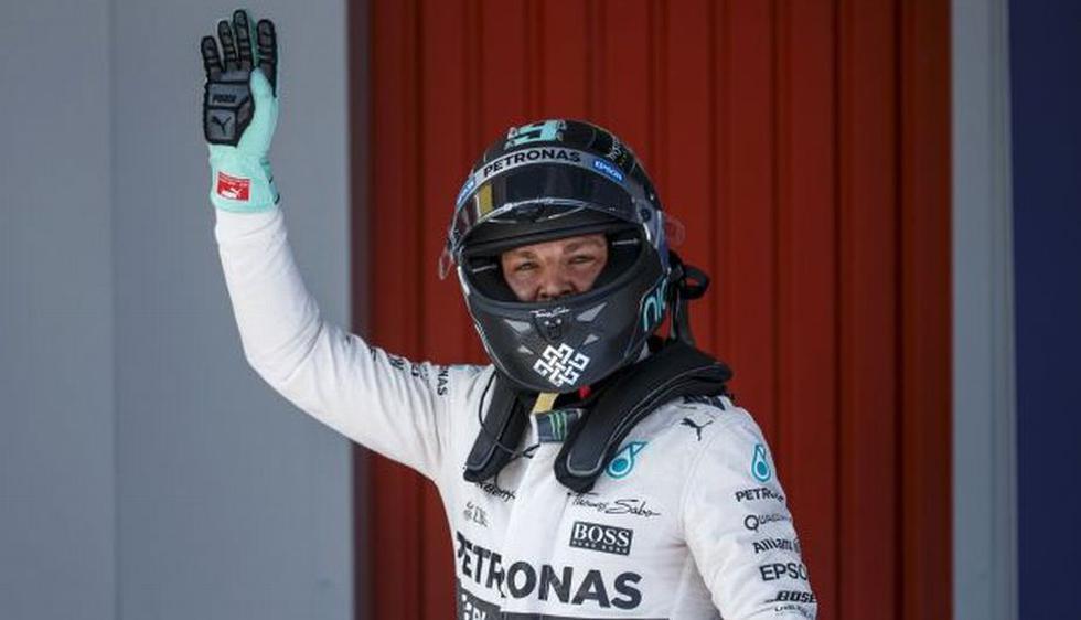 Nico Rosberg le ganó la 'pole' a Lewis Hamilton que partirá segundo en el Gran Premio de España. (Reuters)