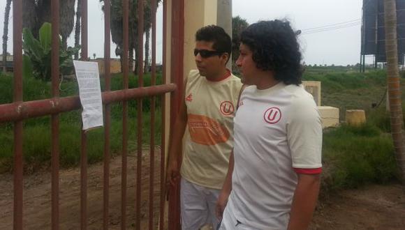 Socios de Universitario expresaron su malestar por la decisión de la administración temporal. (Carlos Lara Porras)