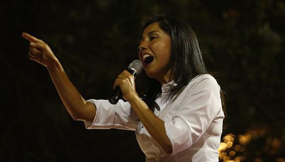 Nadine Heredia 'zapatea' por su cumpleaños  en Comas. (USI)