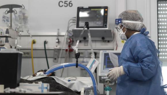 Argentina registra récord diario de muertes por coronavirus en seis meses de confinamiento. (EFE/Juan Ignacio Roncoroni).