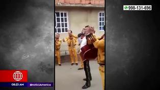 """Colombia: niño """"contrata"""" a mariachis para celebrar una serenata a su madre"""