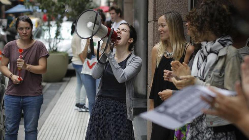 Millones de mujeres protestan por la igualdad social y económica. (AP)