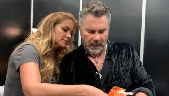 Lucero y Mijares comparten divertido momento juntos en un backstage. (Foto: Captura de video)