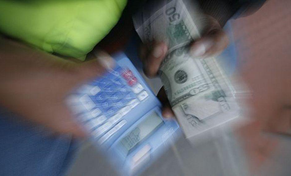 EL dólar volvió a caer a un mínimo en casi 15 años. (USI)