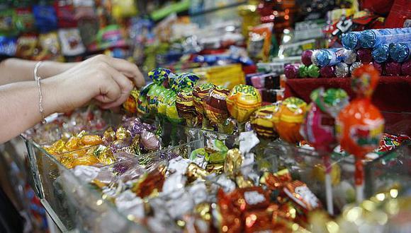 Especialistas recomiendan evitar el consumo excesivo de grasas y dulces. (USI)