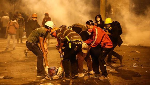 La marcha dejó numerosos heridos y dos muertos que cayeron en esa misma intersección de Abancay con Colmena. (Foto: Hugo Curotto).