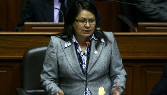 LA DEFIENDE. Para Teves, el cargo de primera dama sí existe. (David Vexelman)