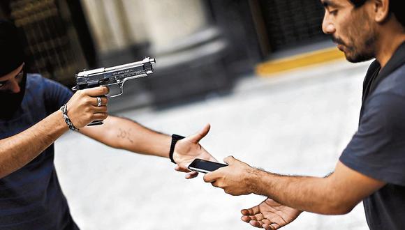 Peligro. Robos callejeros son el delito más recurrente en Lima. (RenzoSalazar/Perú21)