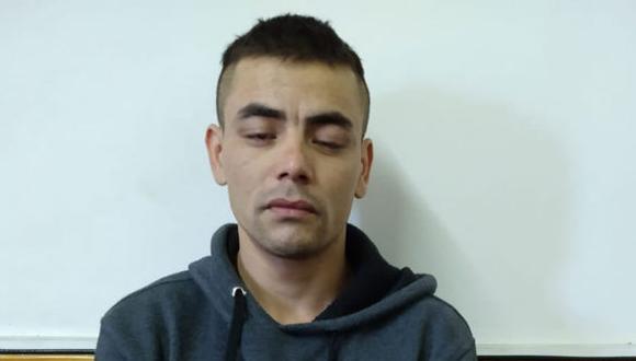 Acusado fue detenido cuando pretendía esconderse en casa de un familiar. (Policía)