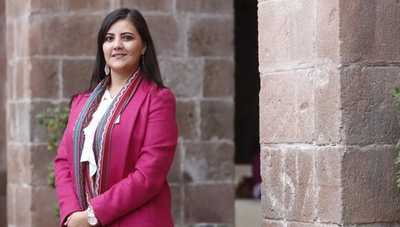"""""""Este es un proceso largo porque hay que cambiar el chip en la gente, si no, no tendríamos tantos casos de violencia contra mujeres"""", expresa la gobernadora de Arequipa (Piko Tamashiro/Perú21)."""