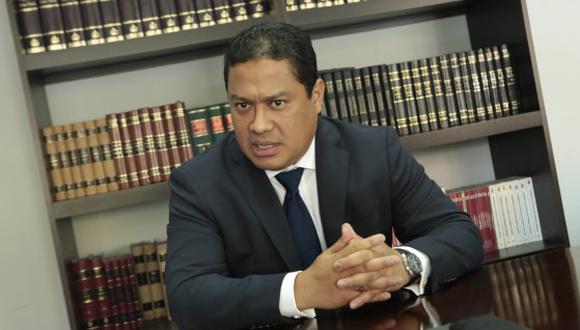 El abogado de Leo Pinheiro acompañó a su defendido durante el interrogatorio fiscal en Curitiba, Brasil. (Foto: Diana Chávez)