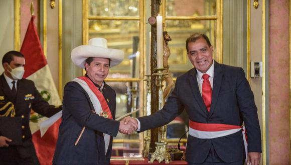 Luis Barrazuela será citado a la Comisión de Defensa. (@photo.gec)