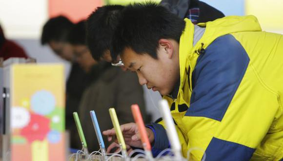 Corea del Sur combatirá la adicción a los smartphones. (Reuters)
