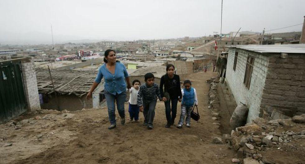 Pobreza se reduciría a 27%. (Rochi León)