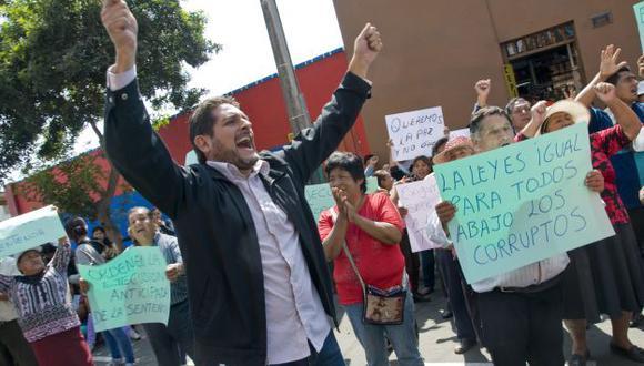 MALESTAR. Manifestantes bloquearon cuadra 10 de la Av. La Mar. (USI)