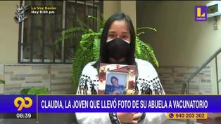 Conoce la historia de Claudia, la joven madre que llevó la foto de su abuela al vacunatorio