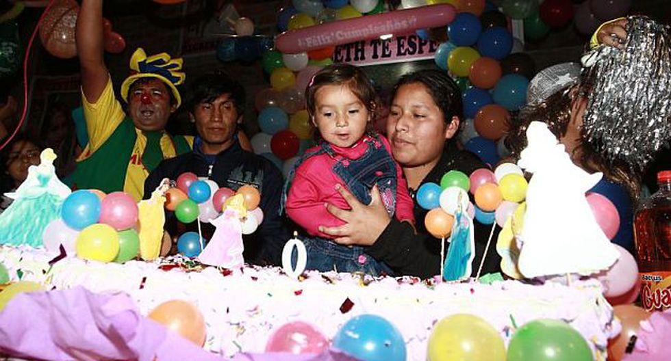 Bayolet festejó su cumpleaños con sus padres. (Alessandro Currarino/El Comercio)