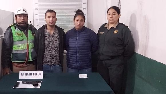 Avezados. Delincuentes ingresaron a robar a un conocido supermercado con armas de fuego. Foto: Policía Nacional.