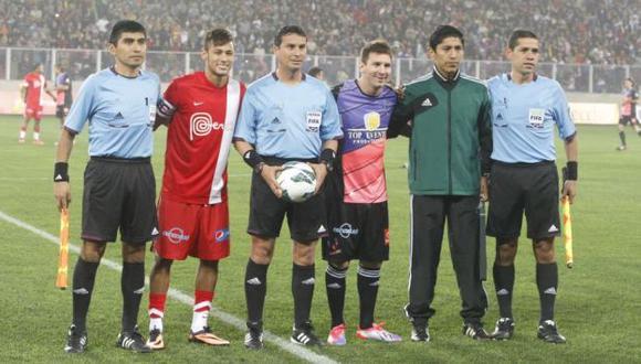 UNIDOS POR PRIMERA VEZ. Antes de juntarse en el Barcelona, Messi y Neymar se enfrentaron en el Nacional de Lima. (J. Ángeles)