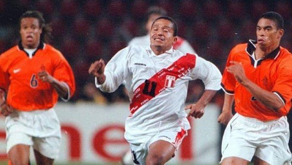 Kukín frente a Holanda en 1998. (Archivo)