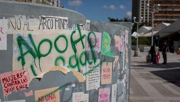 """Fotografía muestra un grafiti que dice """"Aborto legal"""" en una pared. (Foto referencial: EFE/RAYNER PEÑA R)"""