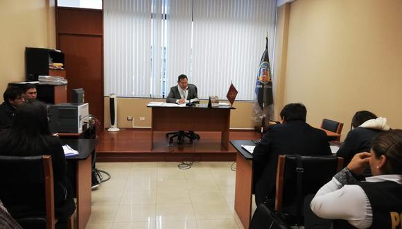 Magistrado desestimó que la agresión fuera en legítima defensa y dispuso prisión para la mujer. (Poder Judicial)