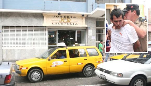 Arqueros Zavaleta fue capturado a pocas cuadras del local, cuando pretendía escapar. (USI)