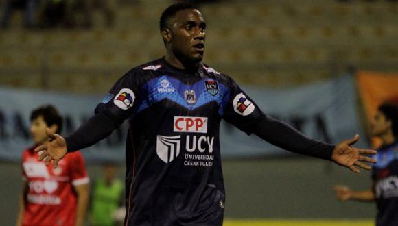 César Vallejo exige sanción para Cristal por insultos racistas contra Luis Tejada. (Perú21)