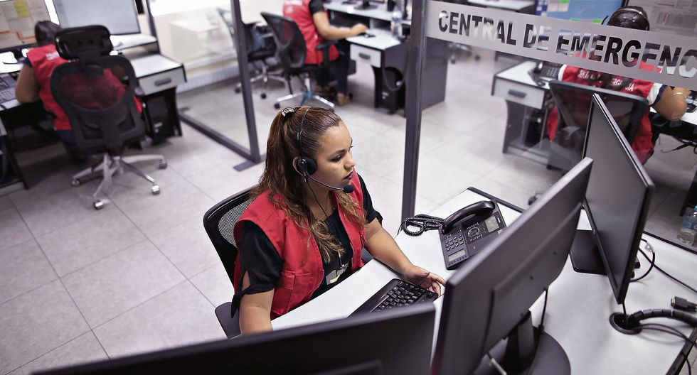 Una llamada falsa hace perder entre 20 y 90 segundos a los operadores. (Foto: GEC/Anthony Niño de Guzmán)
