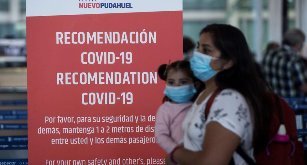 La pandemia, que ya deja en Chile más de 552.000 casos y más de 15.430 muertos desde marzo, ha experimentado un retroceso en los últimos meses. (Foto: EFE/ Alberto Valdes).