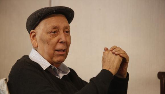Enrique Bernales tenía constante participación en la actividad política entre los medios de comunicación. (Foto: USI)