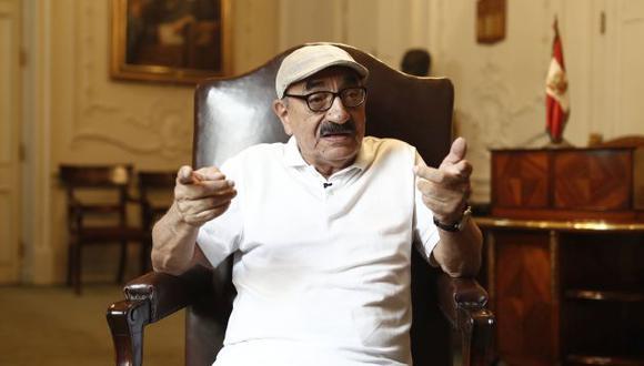 Enrique Fernandez Chacon, candidato al congreso con el numero 1 por el frente amplio.