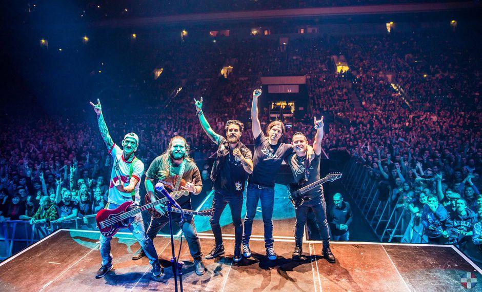La presentación de Contracorriente en el estadio Olympiski de Moscú marca la primera vez que un grupo de rock se presenta en este recinto (Contracorriente).