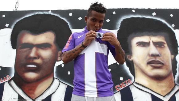 El volante Junior Ponce le ha dado un nuevo aire a Alianza jugando por la banda. (USI)