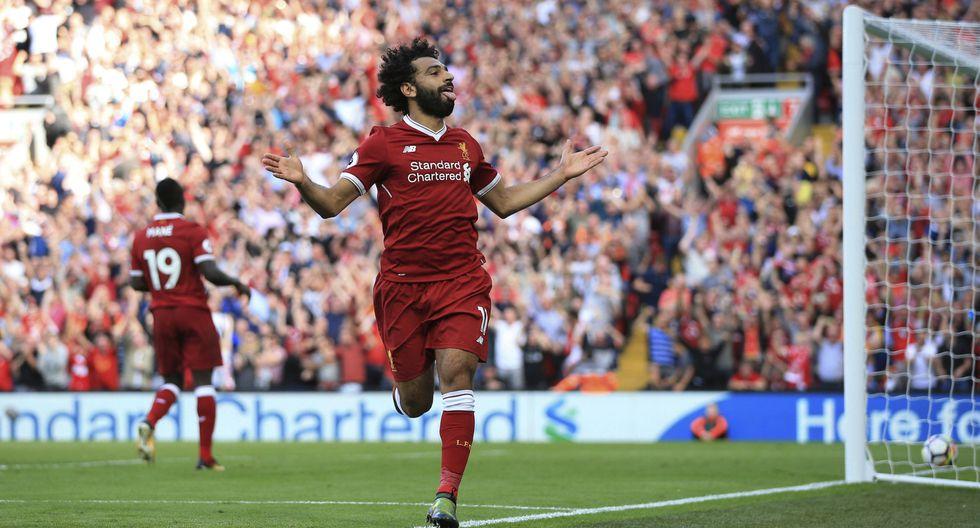 Mohamed Salah lució su velocidad y precisión en Anfield. (AP)