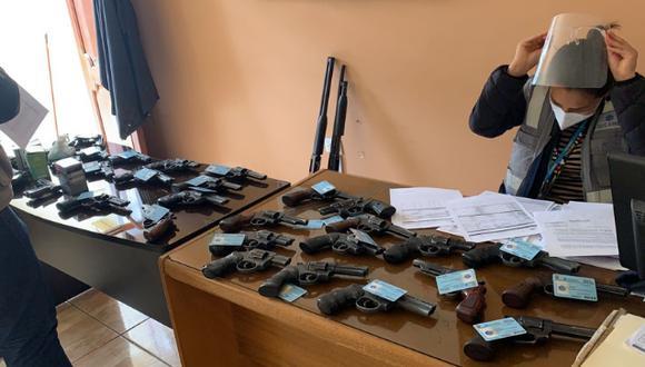 En la región Arequipa se decomisaron 57 armas de fuego a la empresa EVP Magistral SAC por no contar con sistema de videovigilancia operativo.  (Foto: Sucamec)