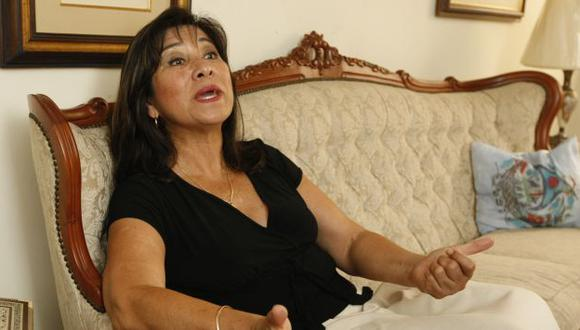 Martha Chávez anunció que denunciará a los que le atribuyen falsas frases en Twitter. (Perú21)