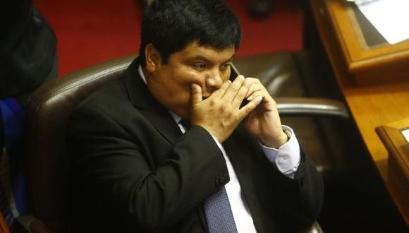 El congresista Clayton Galván (Perú21) admitió que recibió la llamada del ex presidente Alberto Fujimori el día que se votó la vacancia presidencial. (Perú21)