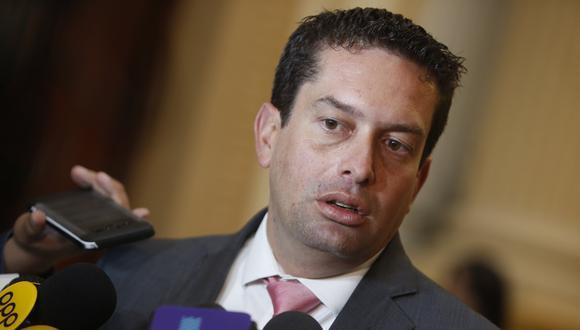 Miguel Torres ha sido cuestionado por supuestamente mantener vínculos con estudio de abogados cuyos clientes serían las salas de juegos. (Foto: GEC)