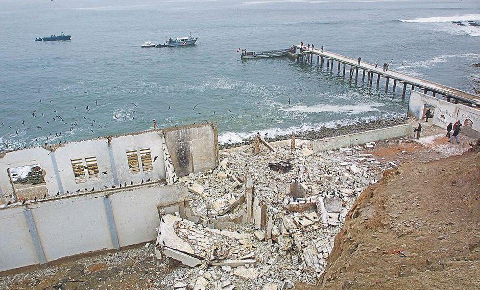 El 19 de junio de 1986, 133 reos murieron en debelamiento en El Frontón. El ex presidente García está como testigo. (USI)