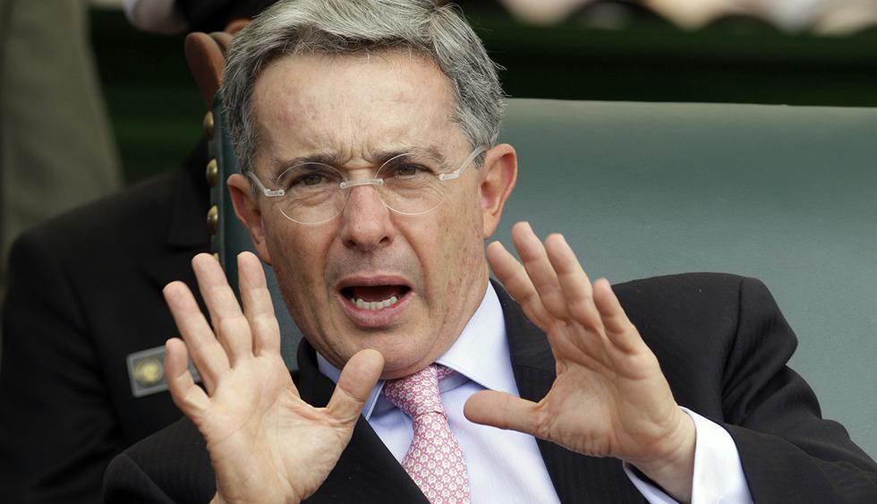 Expresidente colombiano Álvaro Uribe sufrió un accidente en Córdoba luego de caerse de un caballo y fracturarse una costilla. (Foto: EFE)