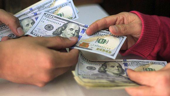 El índice dólar, que mide a la divisa estadounidense contra una canasta de monedas, subía un 0.17%. (Foto: GEC)