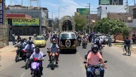 Piura: procesión móvil del Señor de los Milagros concentró gran cantidad de motociclistas (Foto: captura de pantalla).